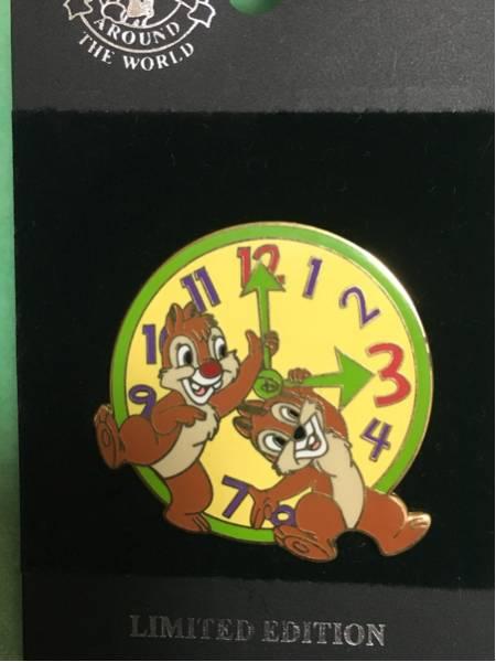 レア 海外ディズニーランド 500個限定チップ&デール時計 ピンバッジ ディズニーグッズの画像