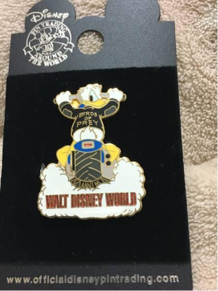 海外ディズニーランド限定 WDW ドナルド バイク ピンバッジ ディズニーグッズの画像