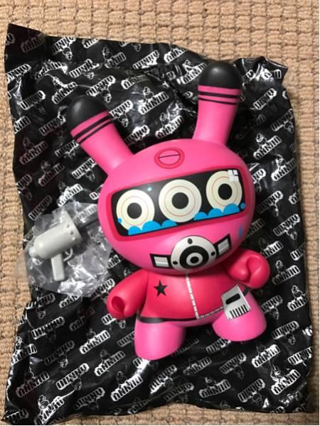 即決 Kidrobot dunny dalel diver pink サイン入 200個限定 ライブグッズの画像