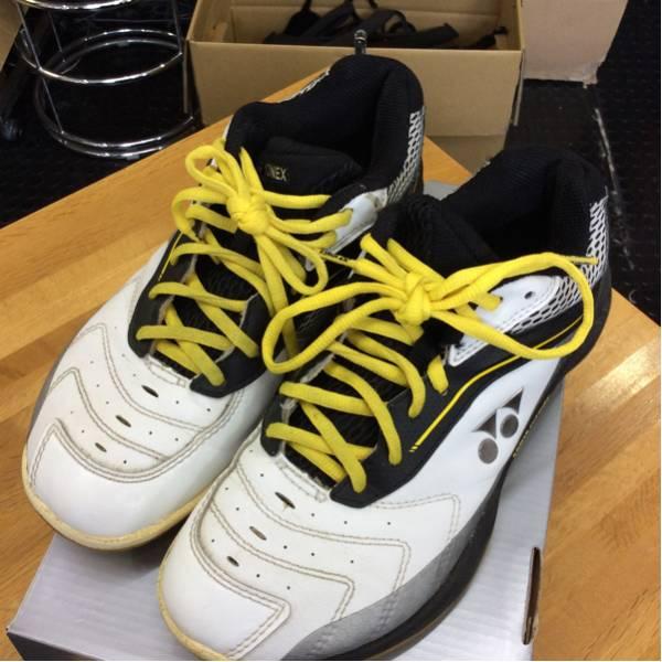 白×黄・黒 テニス・バドミントンシューズ サイズ24