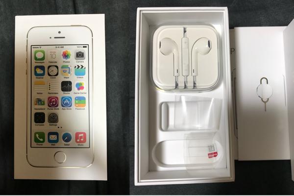 美品 docomo版 iPhone5S 64GB ゴールド_画像2