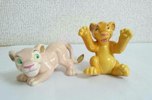 ライオンキング 陶器フィギュア シンバ ナラ ディズニー ディズニーグッズの画像