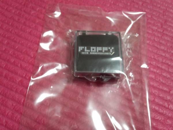 FLOPPY [バッヂ] 10周年記念ライブ限定ピンバッヂ/ メトロノーム 新宿ゲバルト シンセサイザーズ ビートサーファーズ