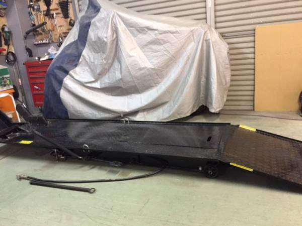 K680 エアー式 バイクリフト 450kg中古美品