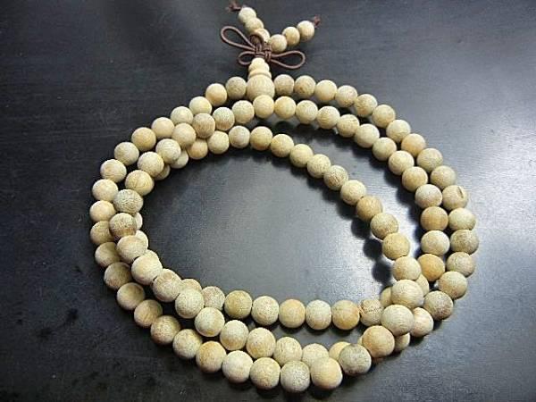 ベトナム産天然沈香木BSCX06 念誦数珠(108粒) 極上級香6mm