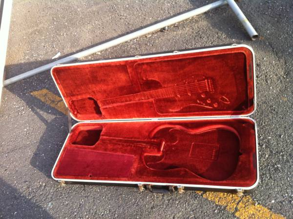 76年~83年に作られた「フェンダーUSA」純正!!大きく「Fender USA」と書かれた「頑丈なプラ・ハード・ケース」!_画像3