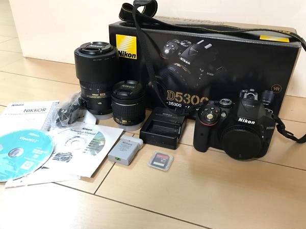 美品!Nikon D5300ダブルズーム(AF-P NIKKOR 18-55mmとAF-S NIKKOR 55-300)撮影枚数5009枚。Wi-Fi接続。オマケ付。