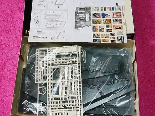 ●上級者向け  「 AUSTRIAN CITY BUILDING 」 1/35 ミニアート 35013 ジオラマ オーストリア_ポスター類 小物付属しています。