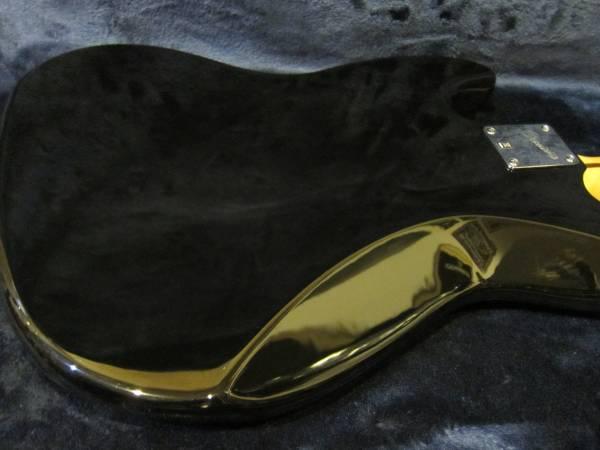 即決☆Squier Vintage Modified Jazz Bass '77☆美品の人気モデル♪純正ケース付!
