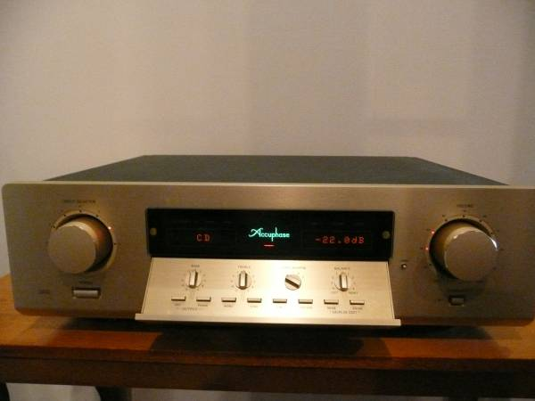 Accuphase DC-330 アキュフェーズ デジタルプリアンプ