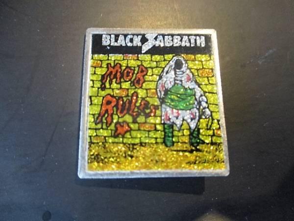 BLACK SABBATH メタルピンバッジ デッドストック ヴィンテージ mod rules 黄ラメ / motorhead iron maiden metallica