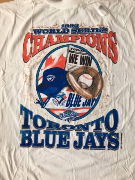 【希少】1992年・1993年 トロントブルージェイズ 2連覇・ワールドチャンピオン記念Tシャツ・2枚セット グッズの画像