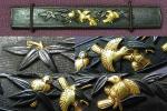 江戸時代/伊達家家紋の竹に雀!赤銅魚子地竹に雀図高彫金象嵌色絵小柄