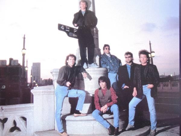TOTOトト1986年ジャパンコンサートツアーパンフレット日本公演アメリカロックバンドデヴィッドペイチスティーヴルカサースティーヴポーカロ