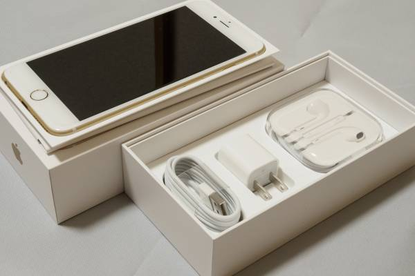 iPhone 6s PLUS 128GB SIMフリー ゴールド 美品 付属品完備