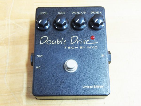 TECH21 NYC Double Drive Limited Edition 元箱付き
