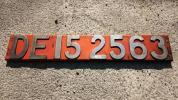 ☆機関車ブロックプレート「DE15 2563」オレンジ色