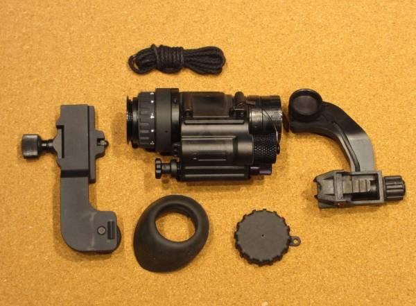 実物 PVS-14A2 OMNI7 イメージ管綺麗 ナイトビジョン オマケ付き 軍用_画像3