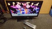 ③ TOSHIBA 東芝 REGZA レグザ 19インチ テレビ モニター スタンド リモコン 付き 19B5 中古品 カード無し