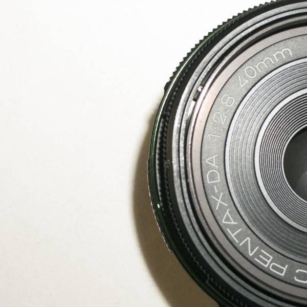◆ジャンク品◆smc PENTAX DA F2.8 40mm Limited■ペンタックス■付属品あり_画像3