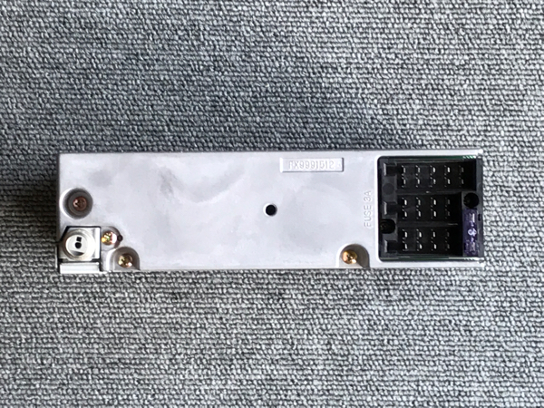メルセデスベンツ 純正カセットデッキ CQ-LP2850Z 中古品_画像2