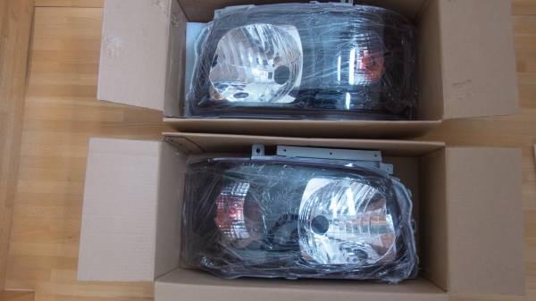 ハイエース 200 1型2型 ブラック クリスタルヘッドライト 新品