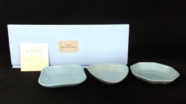 【I63】未使用♪ウェッジウッド クィーンズウェアコレクション 3種の可愛い小皿☆ペールブルー/プチトリオトレイ_画像1