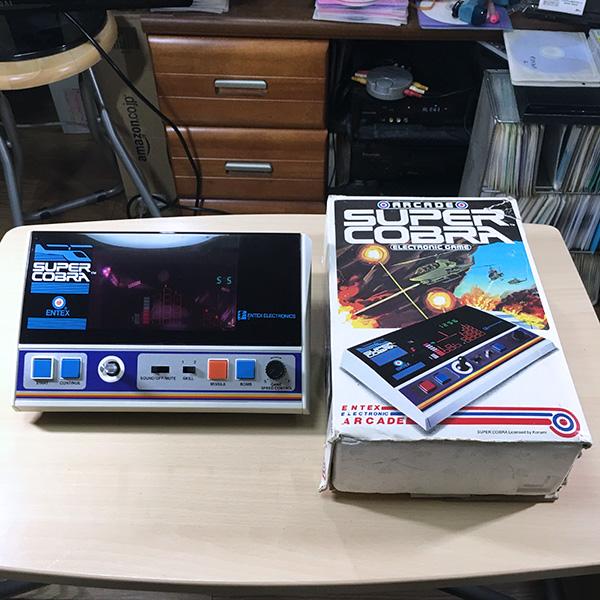 【日本未発売】SUPER COBRA Entex 箱あり LSIゲーム 電子ゲーム FLゲーム 1982年製 スーパーコブラ コナミ ゲームウォッチ 超希少品 美品_画像1