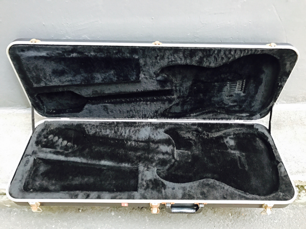 FenderUSAストラトキャスター専用エレキギターハードケース