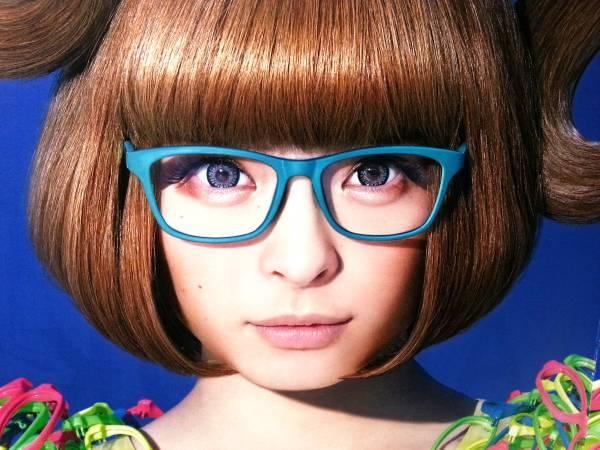 きゃりーぱみゅぱみゅ着用同型ALOOK眼鏡アルク青 ライブグッズの画像
