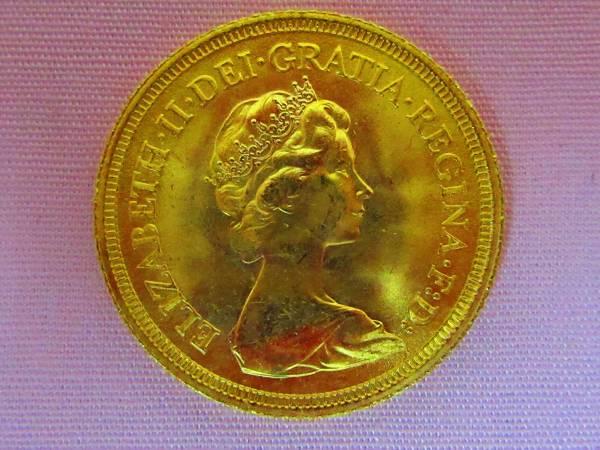 エリザベス女王訪日記念 ソブリン金貨 K22 8g_画像3