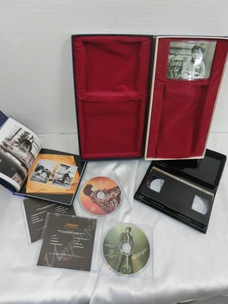 T108[08] 尾崎豊 ザ・メモリアル(CD2枚・VHS・写真集・写真) The memorial