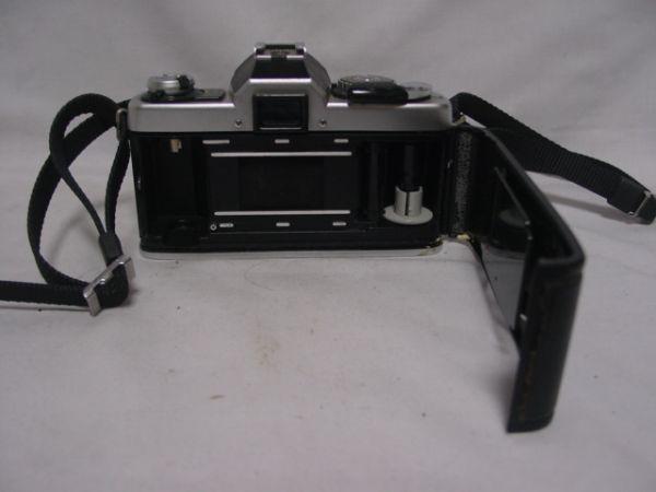 ●MINOLTA XG・E 一眼レフフィルムカメラ MC ROKKOR-PG F1:4 f=50mm ジャンク品 403●_画像3