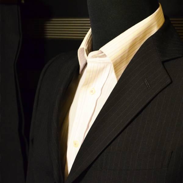 美品・売り切り  ブラックXブルーストライプスーツ TS EVO 落ち着きのある印象_画像3