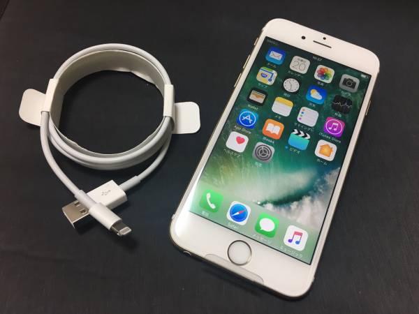 ★新品交換未使用★ iPhone6s DoCoMo ドコモ Gold 64GB 利用制限△_新品の初期保護フィルム付き