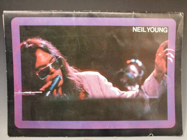 ◆NEIL YOUNG 1976年 日本公演 ツアーパンフレット ポスター付属 ニール・ヤング