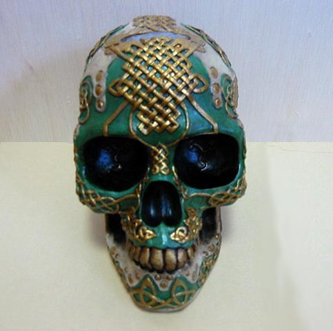 ケルティック ライオン スカル(頭蓋骨) バンク 彫刻 彫像/ Figurine Celtic Lion Skull Bank Hand Painted Resin 6411 by DLEG(輸入品_画像4