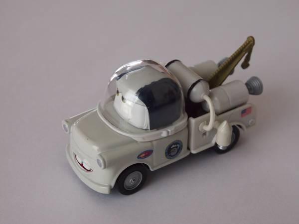 マテル Mattel ディズニー カーズ Cars2 メーター TAKE FLIGHT AUTONAUT MATER ディズニーグッズの画像