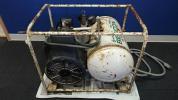 ■エアーコンプレッサー BEBICON ベビコン HITACHI トキコ?製造 0.75OP-8SKA 容積12L 通電OK ジャンク