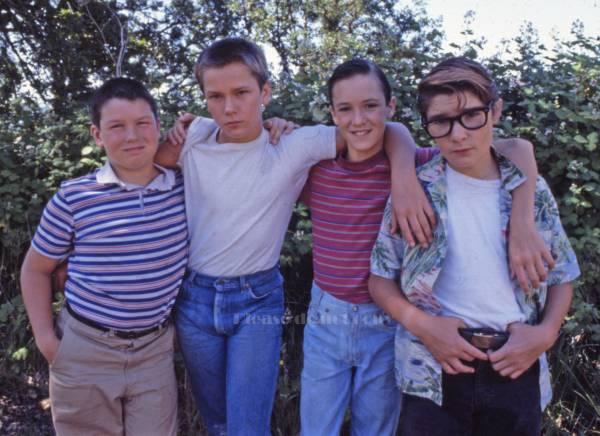 1986年 映画 スタンド・バイ・ミー 原作スティーヴン・キング コリー・フェルドマン リヴァー・フェニックス フォト3枚 付き_画像3