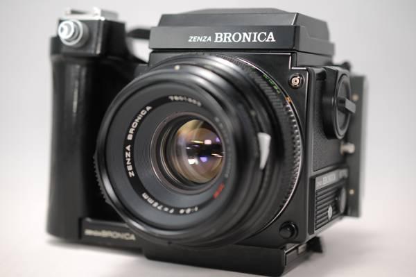 人気カメラの紹介です。