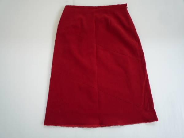【良品!】 ★ 台形スカート ★ 赤 無地 W64 レディース 膝丈_画像2
