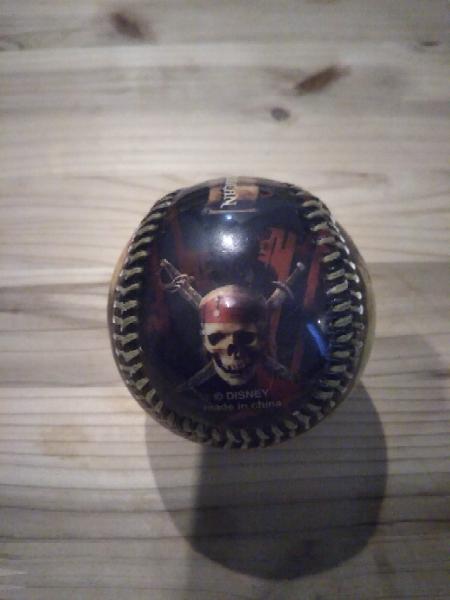 ディズニー野球ボール パイレーツオブカリビアン映画版 ベースボール用硬球 ディズニーランドロゴ入りバージョン グッズの画像