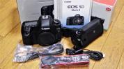EOS 5D Mark?、バッテリーグリップBG-E6 中古 実用品
