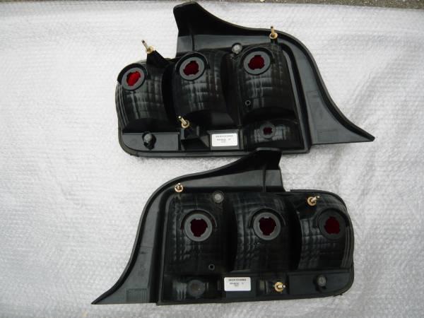 マスタング テールランプ 左右セット フォード純正 05~09年_画像2
