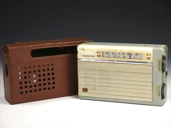 クラウン トランジスタラジオ CROWN 8 TRANSISTOR 2BAND ラジオ ジャンク品 アンティーク 111