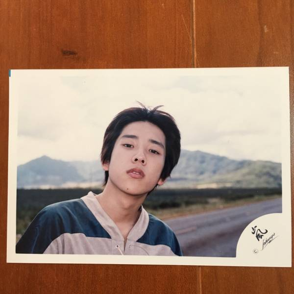 即決¥1500★嵐 公式写真 2488★二宮和也 ハワイ デビュー 貴重 嵐ロゴ