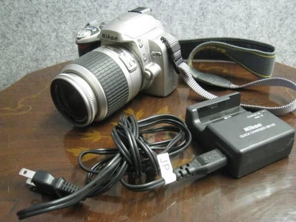 Nikon D40 AF-S DX NIKKOR ED 18-55mm 1:3.5-5.6G