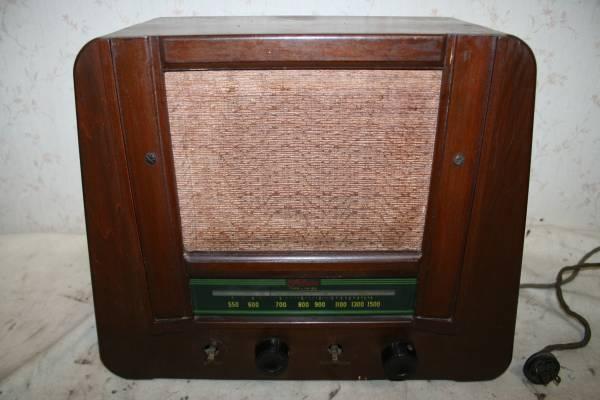 珍しい真空管の双葉ラジオ ジャンク品