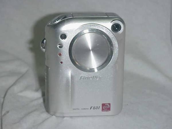 FUJIFILM FinePix F601(603万画素)バッテリー付き